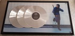 Triple disque de platine pour Orelsan, « la fête est finie »