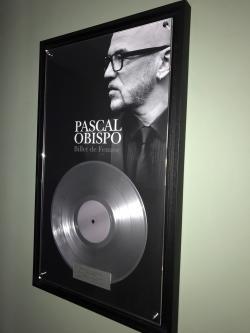 Disque de platine pour Pascal Obispo pour l'album Billet de Femme