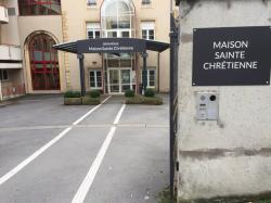Réalisation de la signalétique extérieur et intérieur de la Maison Sainte Chrétienne à Metz
